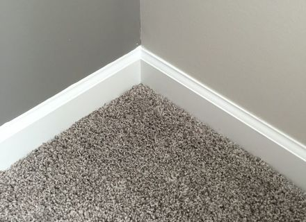 baseboards with carpet